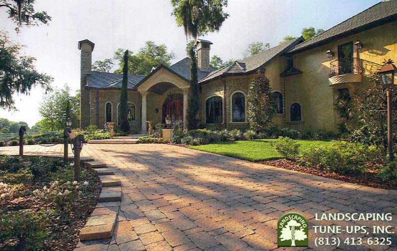 Landscaping Tampa FL Homes For Over 24 Years - (813) 413-6325